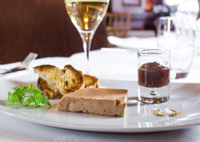 Terrine de foie gras de canard, chutney de fruits